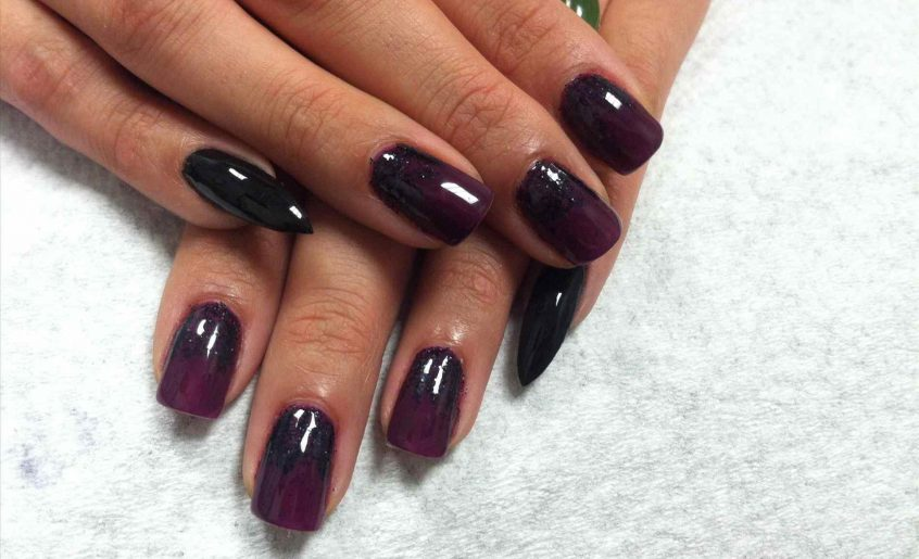 Shellac LadyBug Body, Nails & Spa